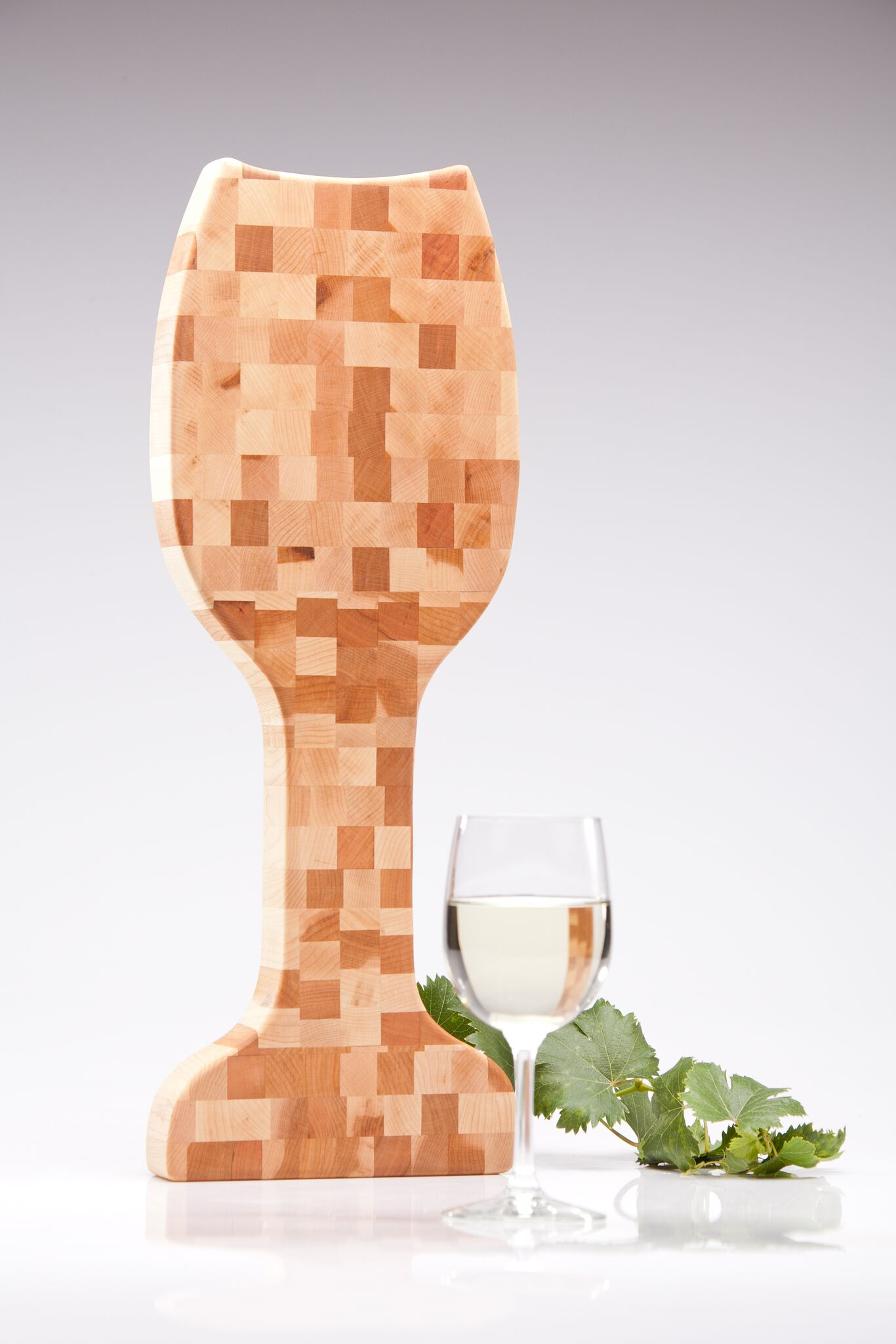 wine glass shaped cutting board
