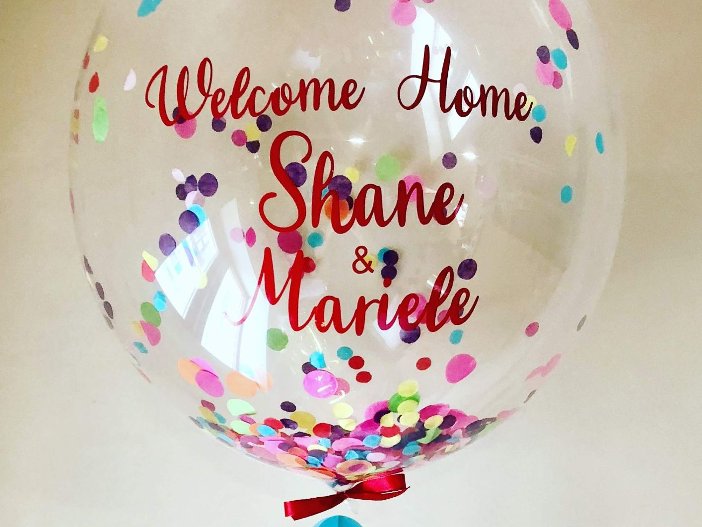 Our personalised balloons are a perfect companion to every occasion. These gorgeous balloons are created individually with many styles to choose from, such as confetti, feathers or the ever popular balloon within a balloon.