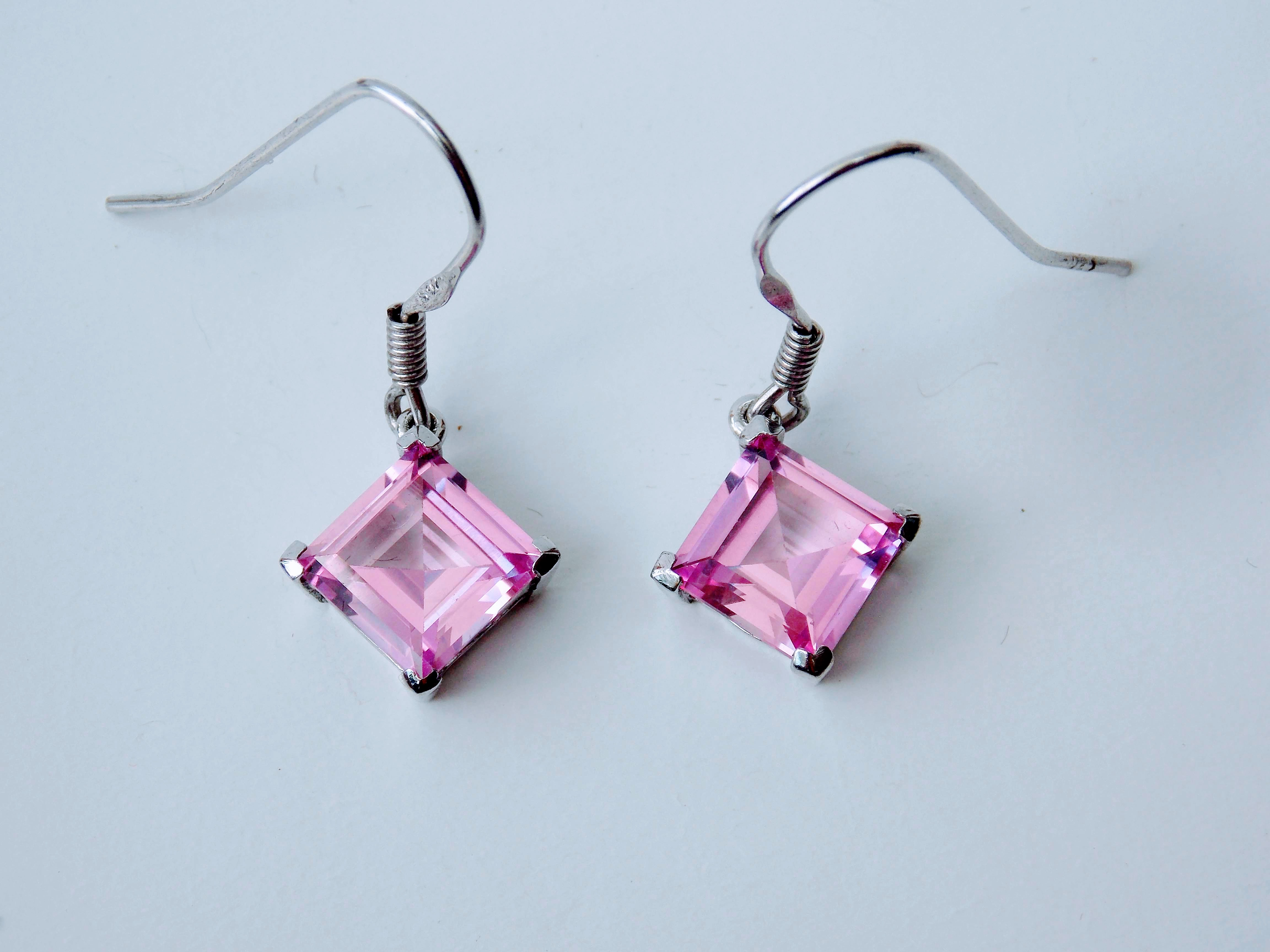 Baby Pink, Sapphire drops