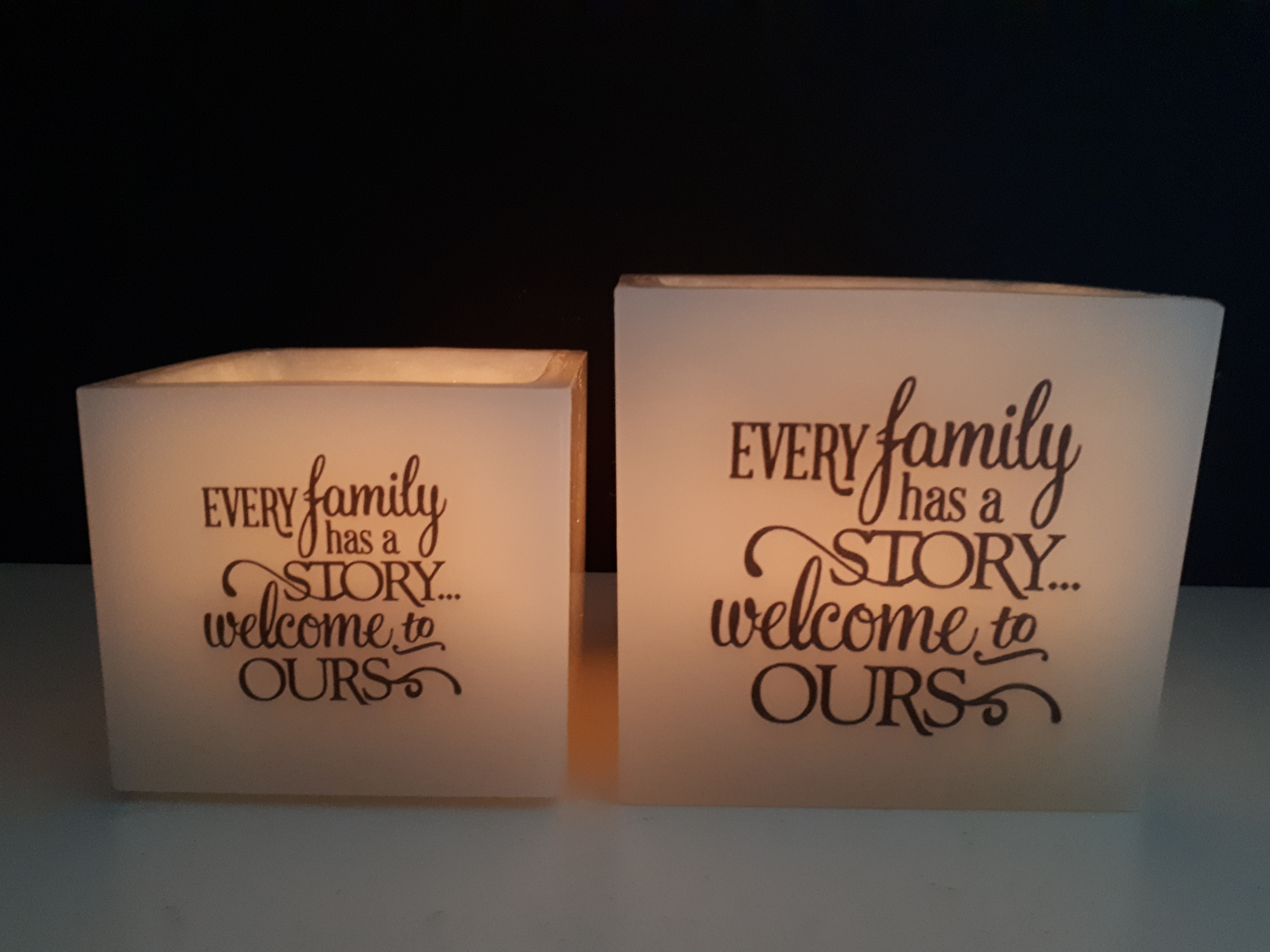 "windlicht groot ""every family has a story, welcome tou ours..."""