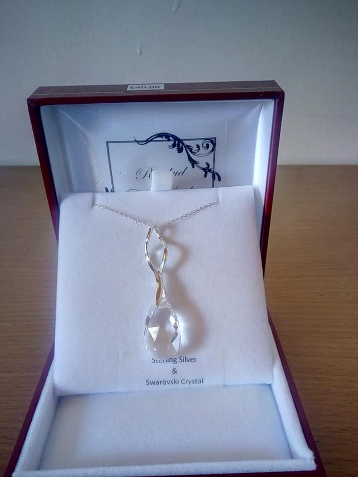 Sterling Silver Pendant Beautiful Swarovski Crystal