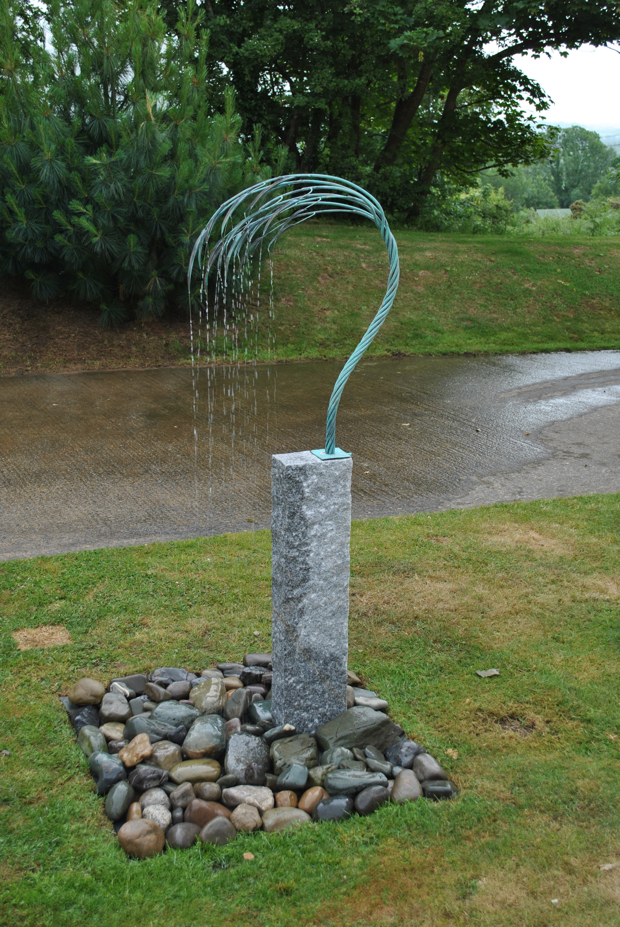 Garden water feature/fountain, coper, granit