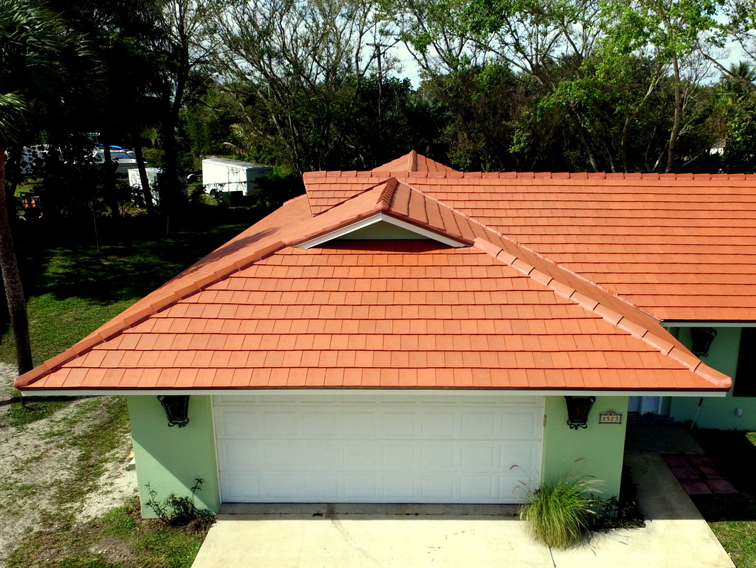 Verea Clay roof tile, natural red.