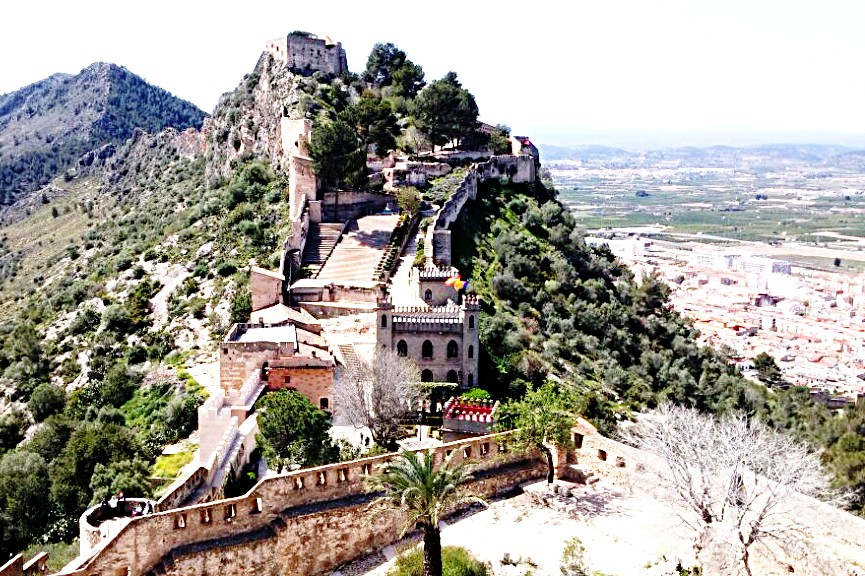 Xativa castle plein air watercolor painting www.paintonholiday.com