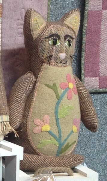 Donegal Tweed by Fabric Affair:Cleopatra the Cat kit