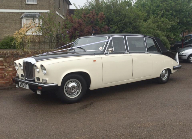 Daimler Limousine 7 Seater Herts