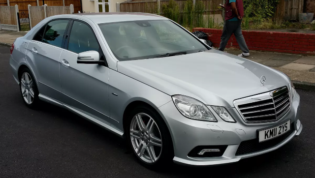 Mercedes Saloon Wedding Car Hire