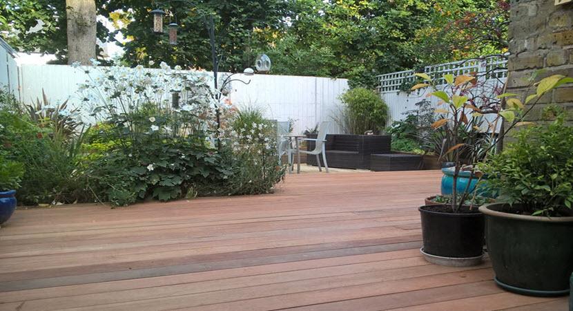 Garden design landscape in north london for Garden decking north london