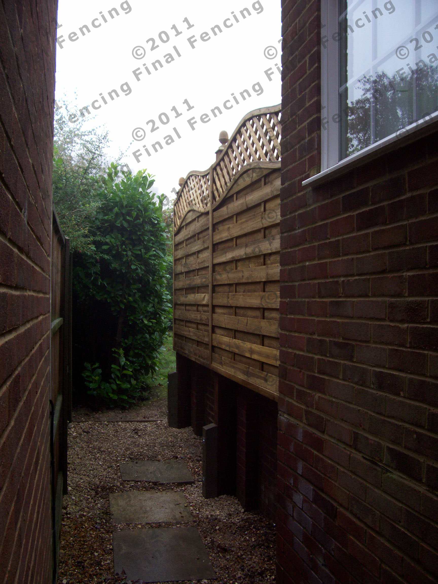 Fitted to brickwork