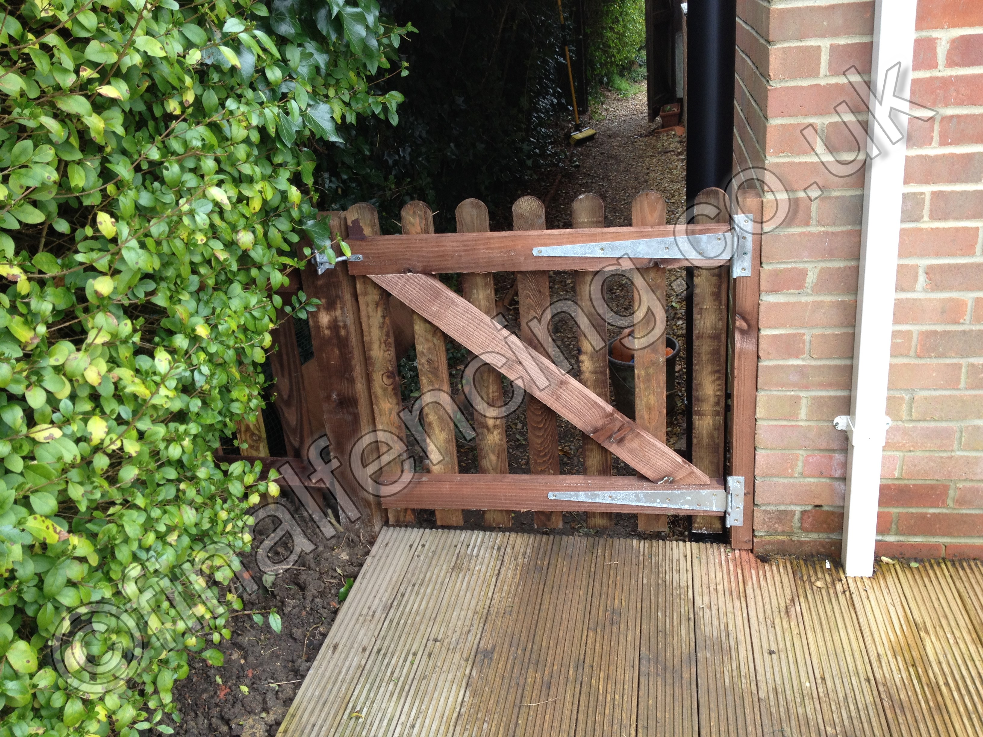 Wicket Left Hand Hung Gate