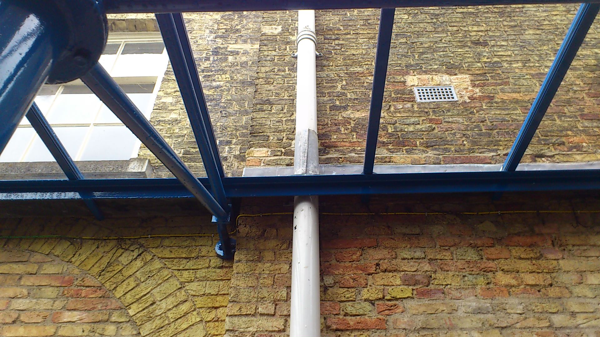 Glass canopy clean - Limescale and lead stain removal (After)
