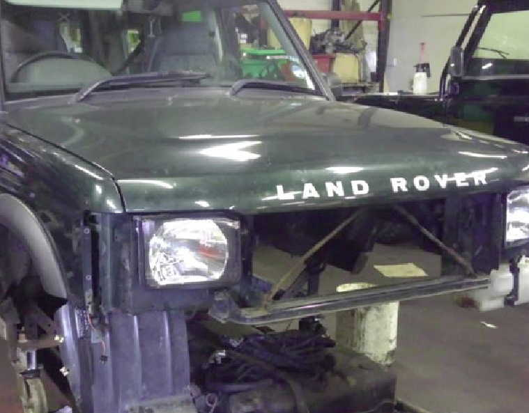 Gibsons Auto Services specialise in Ladn Rover restoration and rebuilds