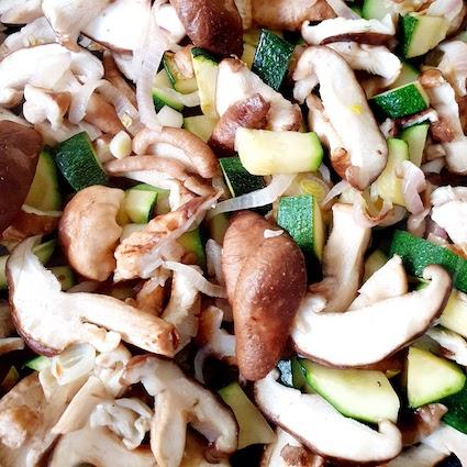 Ragu di shitake e zucchinejpg