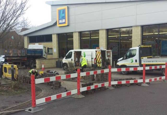 County Groundforce Ltd Bilston Wolverhampton Health and Safety considerations in force when laying tarmac in an Aldi Car Park
