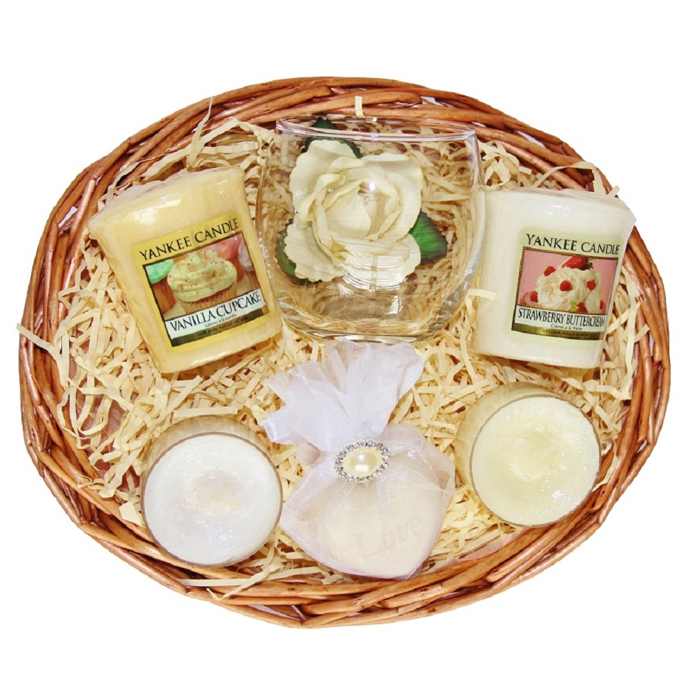 Candle Treat, Gift Basket - Gold