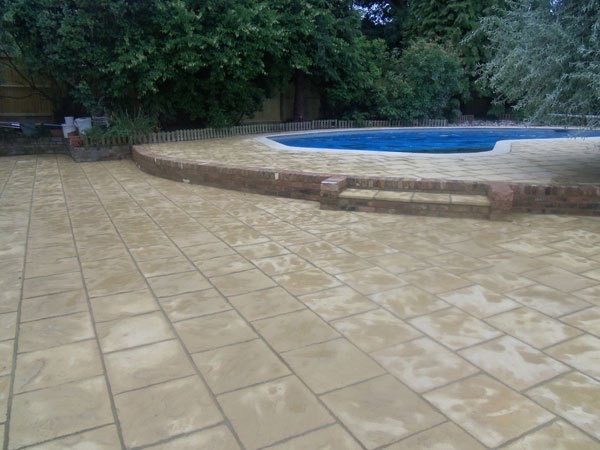 Best paving firms Weybridge, Surrey