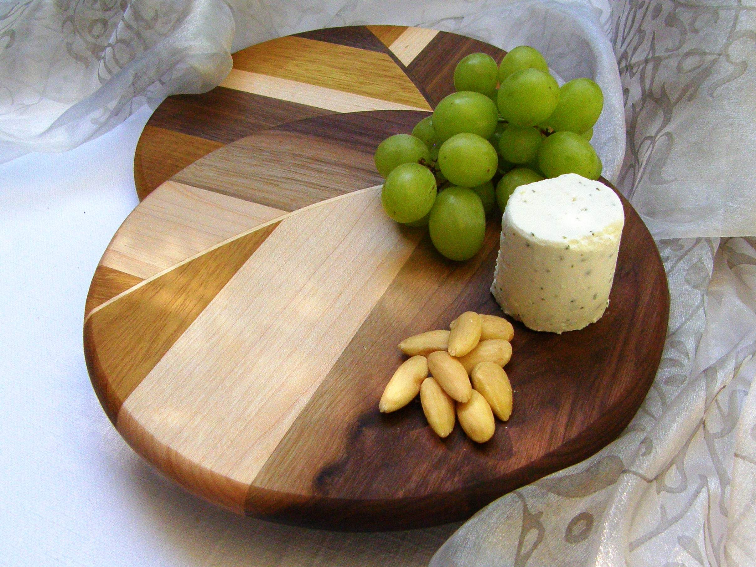CARAMEL CHEESE BOARD