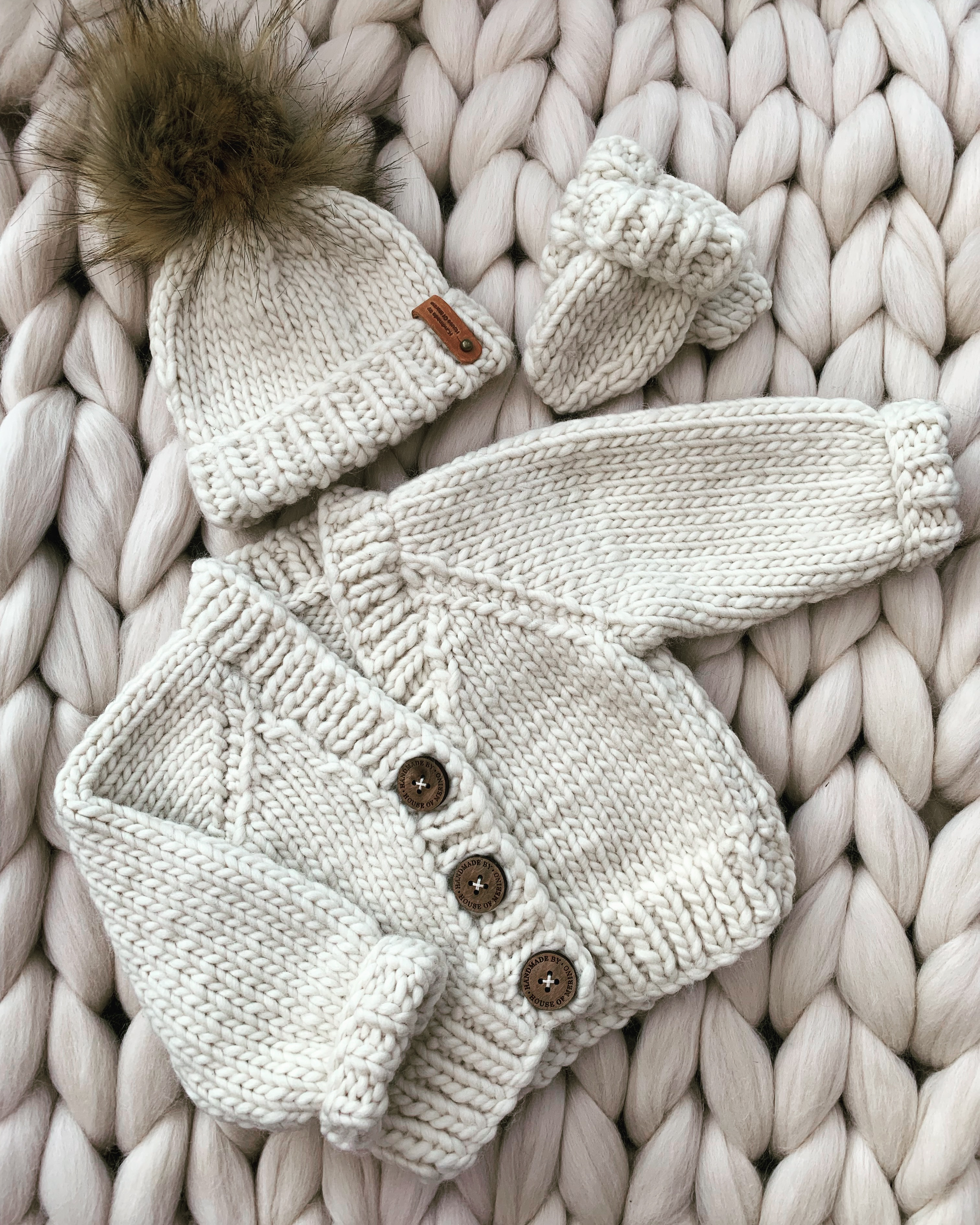 Merino chunky knit cardigan, hat and mittens set
