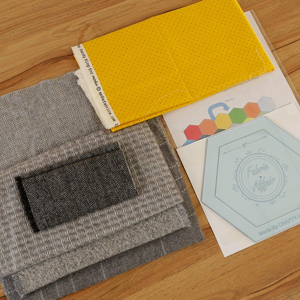 Fabric Affair: Hex-A-Go Tweed Hexagon Handbag Kit.
