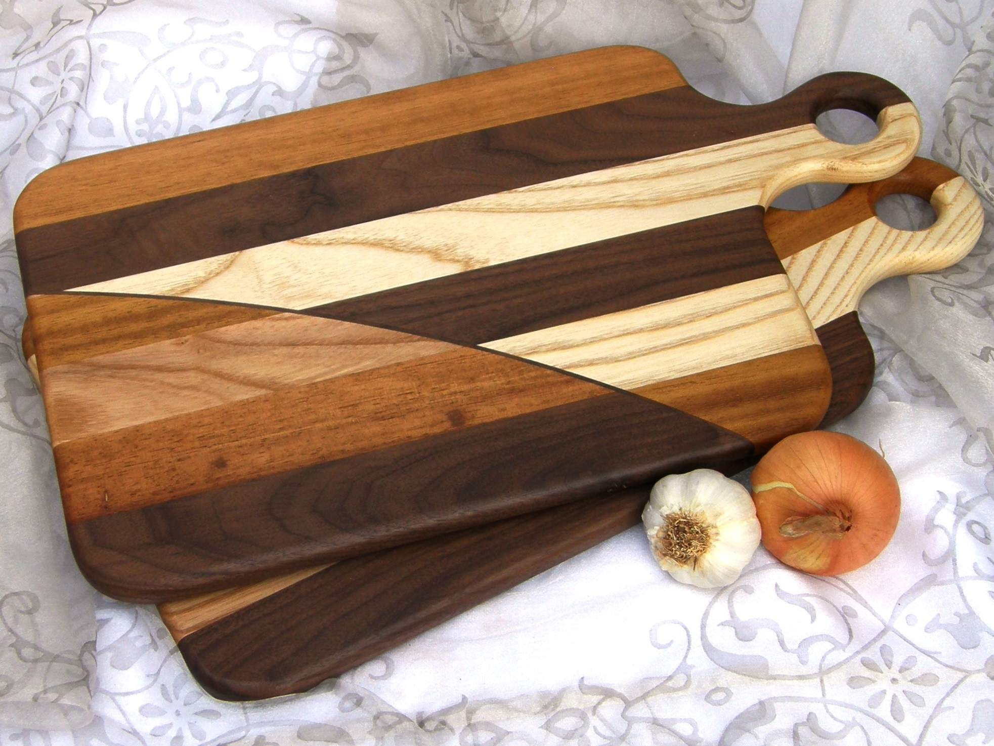 BURNT CARAMEL Chopping & Serving Board