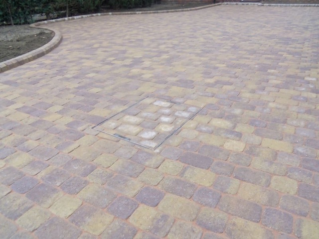 Recommended block paving firms Walton-on-Thames, Surrey