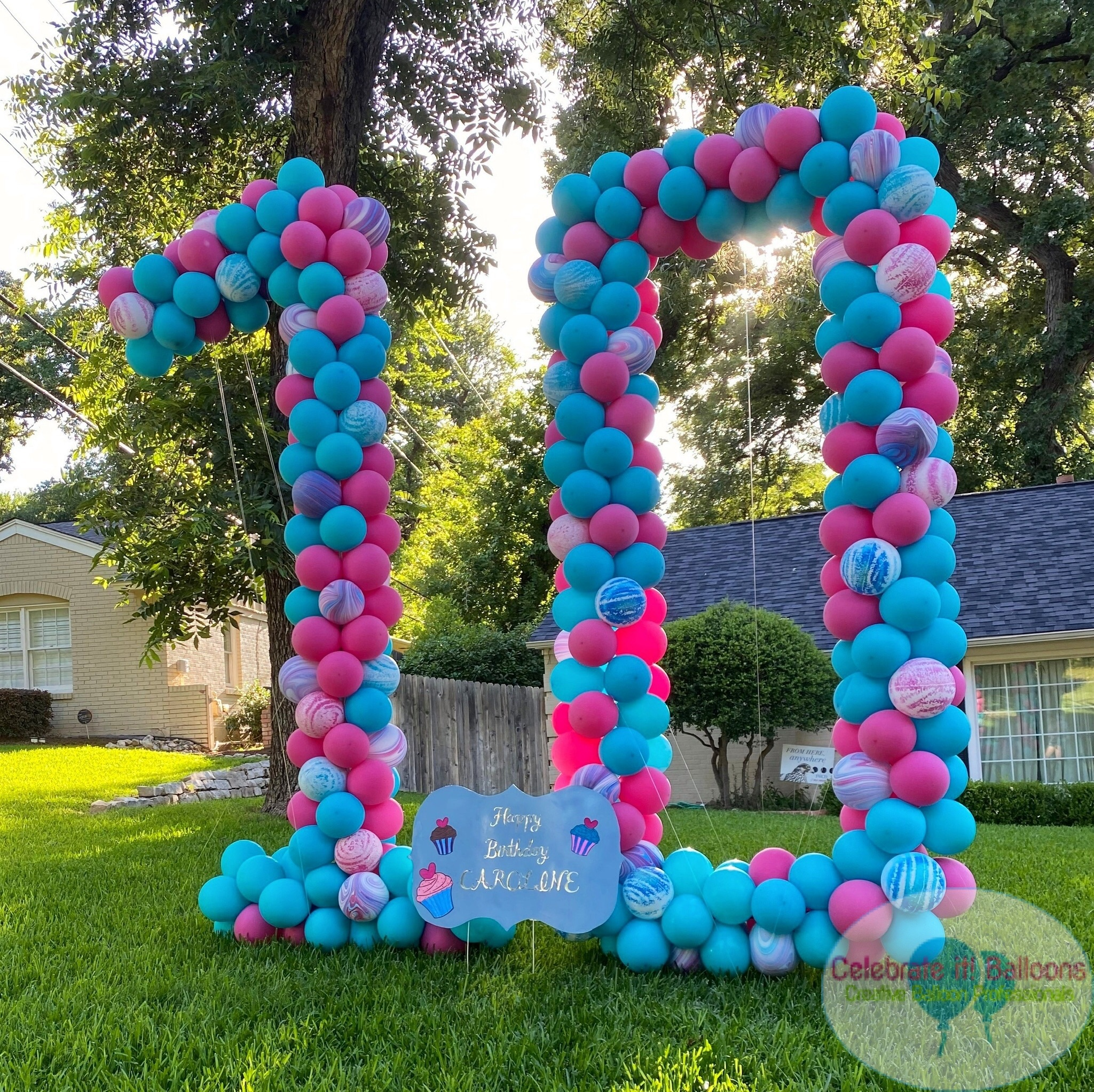 Balloon yard number 10 with custom birthday yard sign