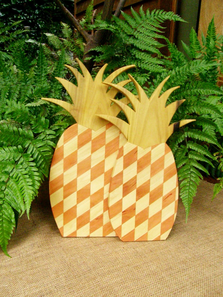 PINEAPPLE BOARD Small