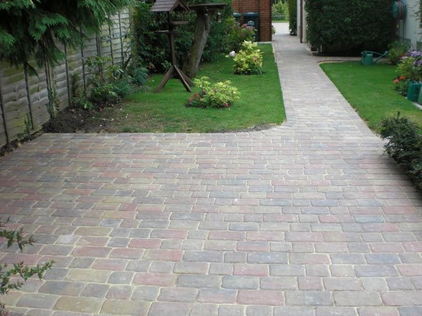 New block paved driveway in Shepperton