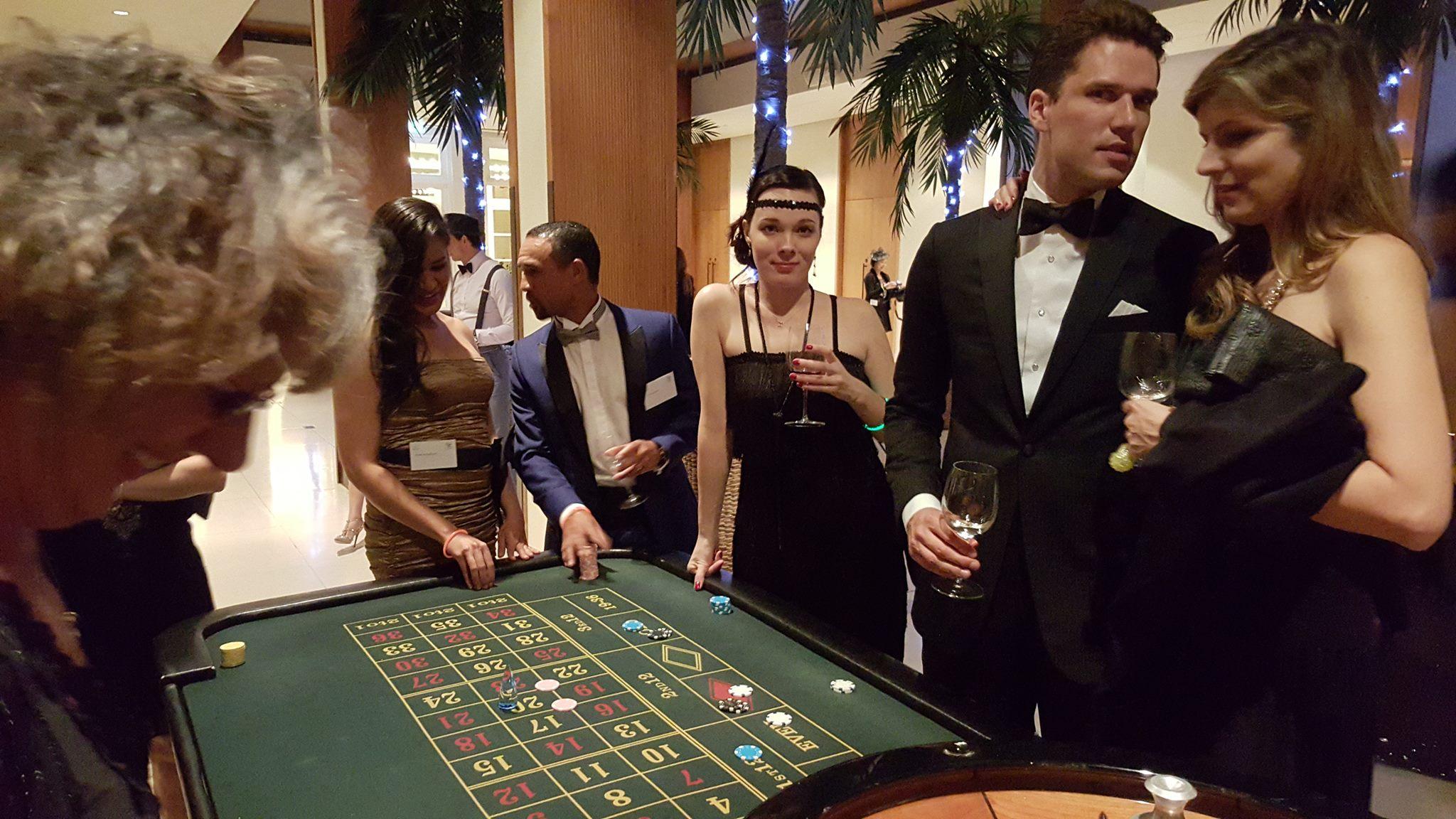 Смотреть казино рояль игра